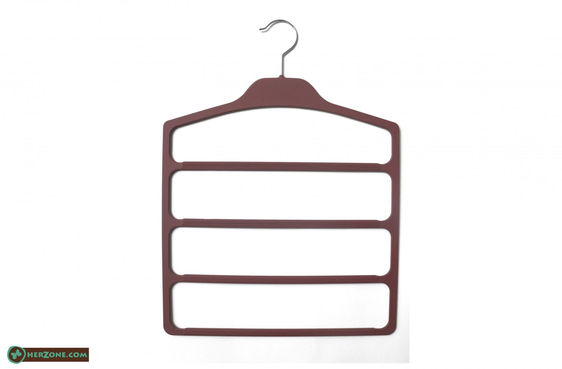200.Plastic Hanger